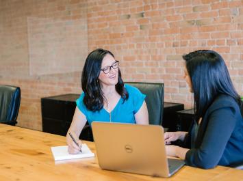 Юридическая консультация по вопросам кадрового делопроизводства и учета